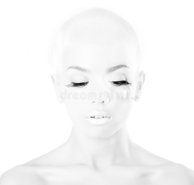 skallig flicka arkivbild