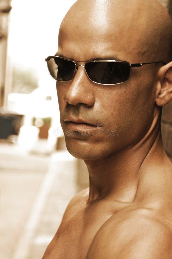 skallig stilig man fotografering för bildbyråer