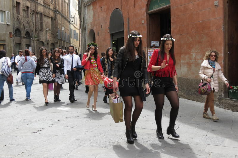 Skalowania świętowania przyjęcie w Siena obrazy stock