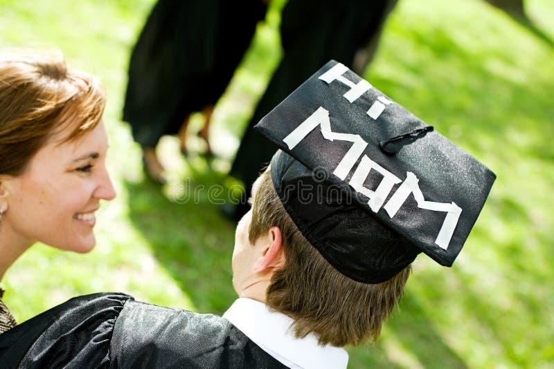 Skalowanie: Uczeń Z Śmiesznym oświadczeniem na kapeluszu zdjęcie royalty free