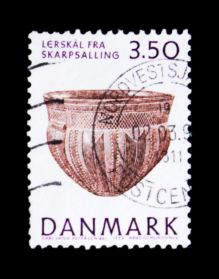 Skarpsalling earthenware bowl, National Museum - Exhibits from Prehistoric Denmark Collection serie, circa 1992. MOSCOW, RUSSIA - NOVEMBER 23, 2017: A stamp royalty free stock photography