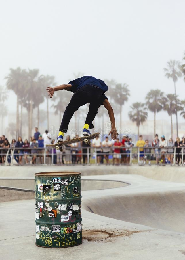 Skateboard, να κάνει σκέιτ μπορντ, Skateboarder, κάνοντας σκέιτ μπορντ τον εξοπλισμό και τις προμήθειες στοκ εικόνες με δικαίωμα ελεύθερης χρήσης