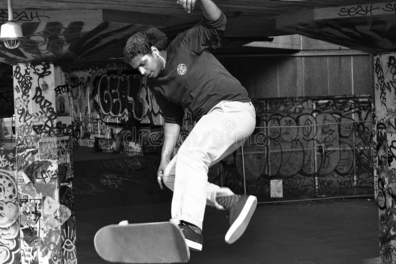 Skateboarder de Londres B&W fotos de archivo libres de regalías