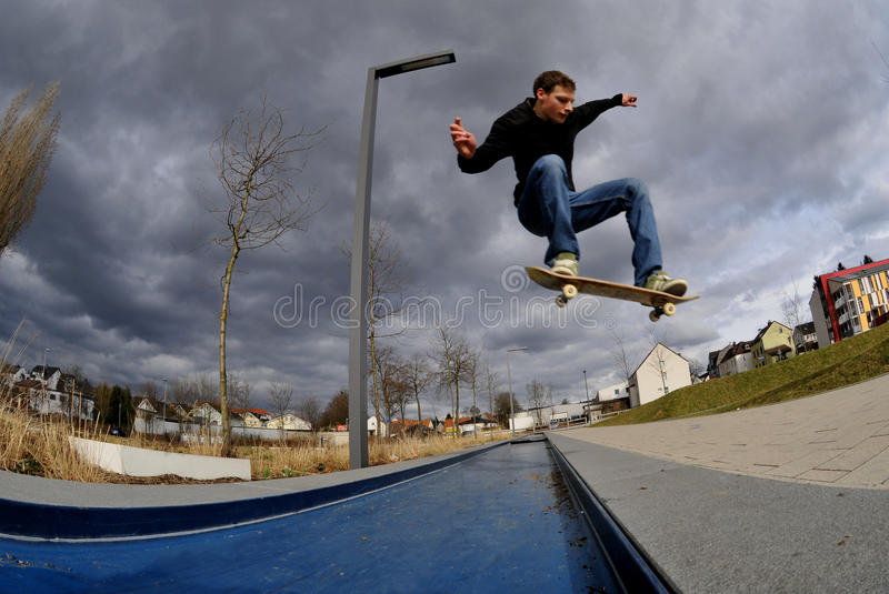 Skateboarding stockfotos
