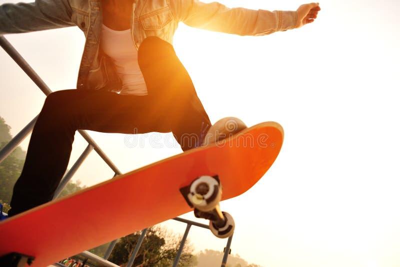 Skateboarding royaltyfria bilder