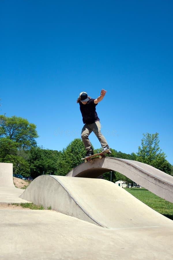 Skater que mmói no patim fotografia de stock royalty free