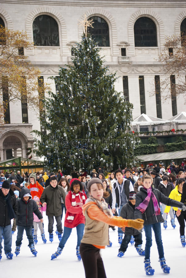 Download Skaters Bryant Park editorial photography. Image of library - 17333402