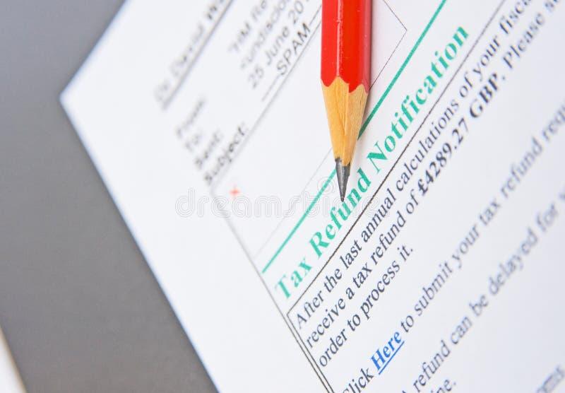 skatt för återbäring för metod för e-bedrägeripost arkivfoto