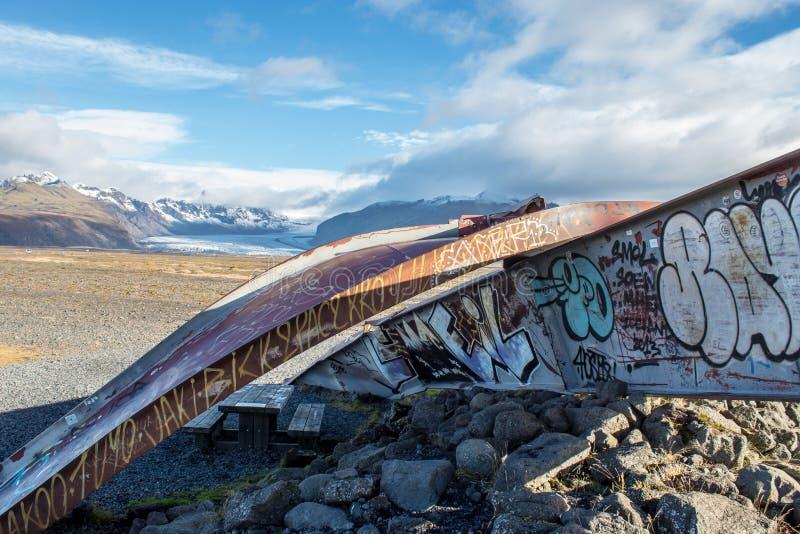 Skeidara bromonument i Island på en klar dag royaltyfri bild