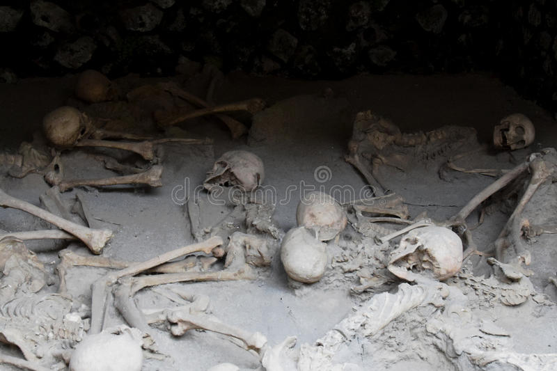 Download Skeletons In Boat Sheds,  Herculaneum Archaeological Site, Campania, Italy Stock Image - Image of campania, houses: 69109911