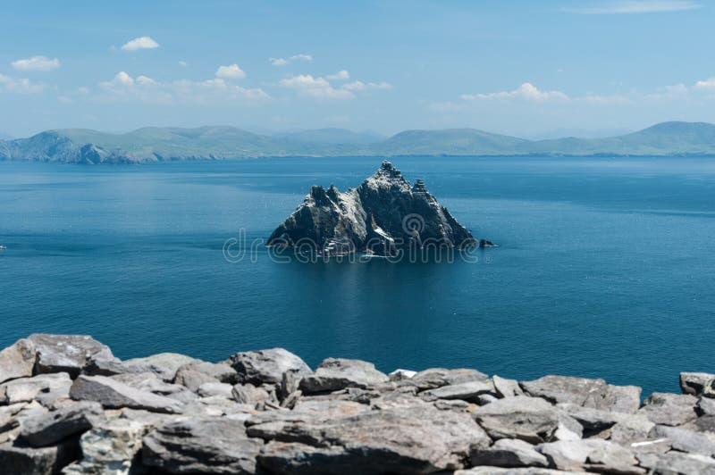 Skellig Майкл, место всемирного наследия ЮНЕСКО, Керри, Ирландия Звездные войны сила будят сцену снятая на этом острове стоковые фотографии rf