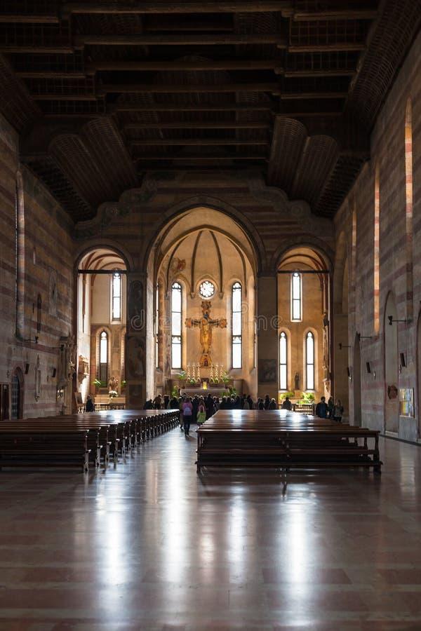Skepp av kyrkan av Eremitanien i Padua royaltyfria foton