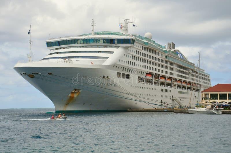 Skepp för havsprinsessakryssning royaltyfria bilder