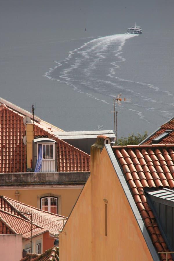 Download Skepp På Floden Tejo (Lissabon) Fotografering för Bildbyråer - Bild av town, lisbon: 37345337