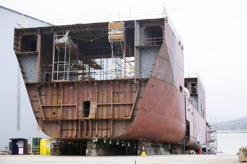 Skeppbyggnad och kran i den portGlasgow Shipbuilding Scaffold Dock Harbor hamnen arkivfoton