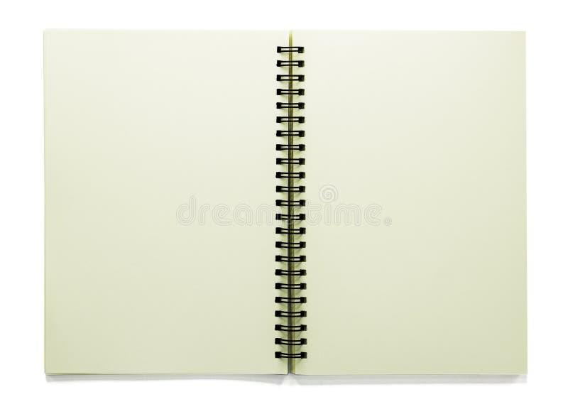 Sketchbook in bianco aperto isolato su fondo bianco con il percorso di ritaglio immagine stock libera da diritti