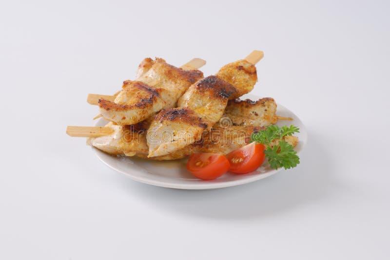 Skewers grelhados da galinha foto de stock