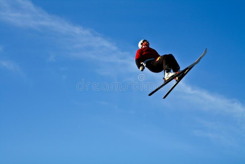 Ski acrobatique image libre de droits