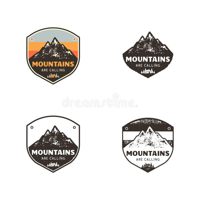 Ski Club, explorador Labels das montanhas Crachás tirados mão do acampamento do inverno da montanha do vintage Logotipo exterior  ilustração royalty free