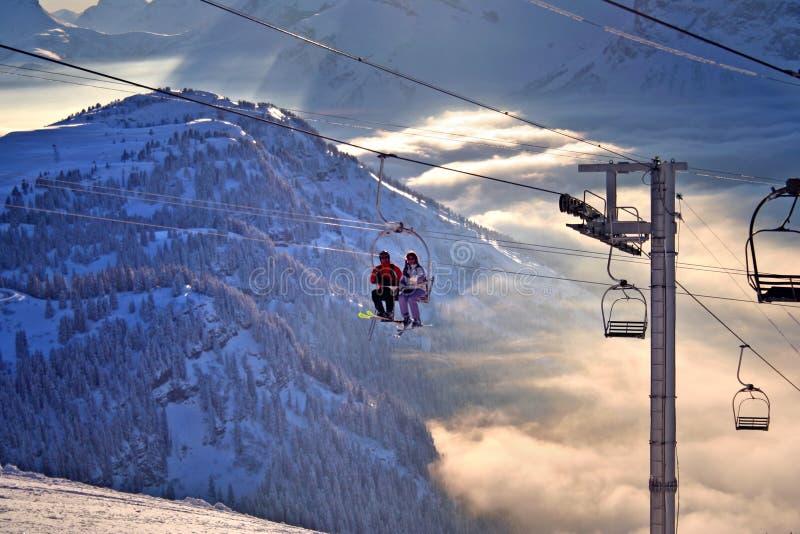 Ski dans les Alpes image stock