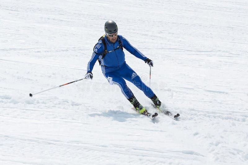 Ski fahrender Skibergsteiger der Berg Team Race-Skibergsteigen Asiat, ISMF, Russe, Kamchatka-Meisterschaft lizenzfreie stockfotografie