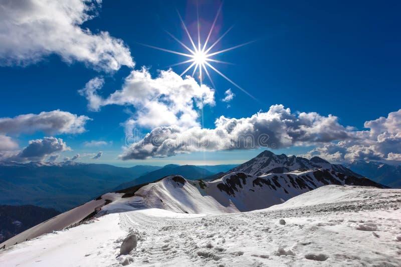 Ski Resort på Kaukasus berg, Rosa Peak, Sochi, Ryssland royaltyfria foton
