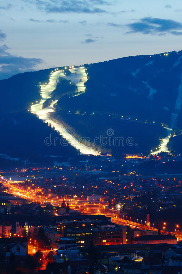 Ski Slopes Above City foto de stock