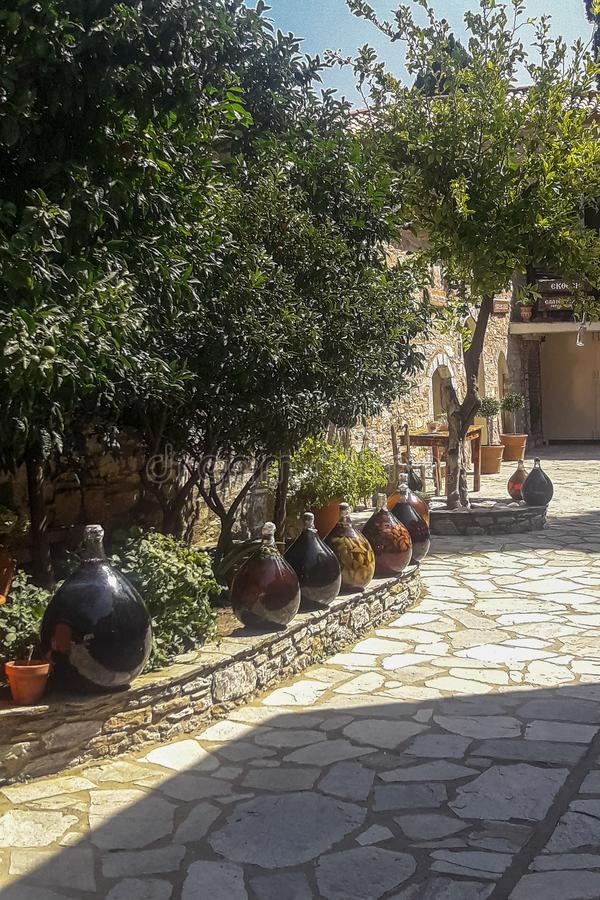 Skiathos海岛的修道院在希腊 免版税库存图片