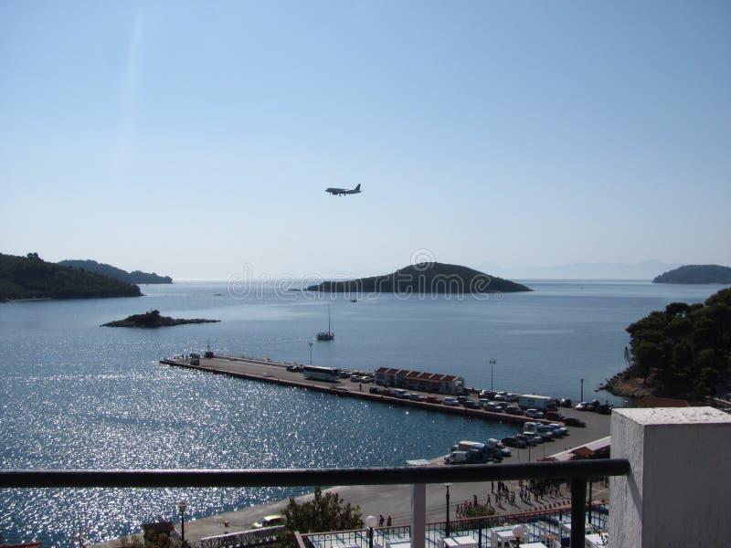 Skiathos i det Aegean havet fotografering för bildbyråer