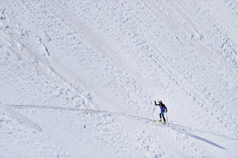 Skibergsteiger in Fagaras-Bergen lizenzfreies stockfoto