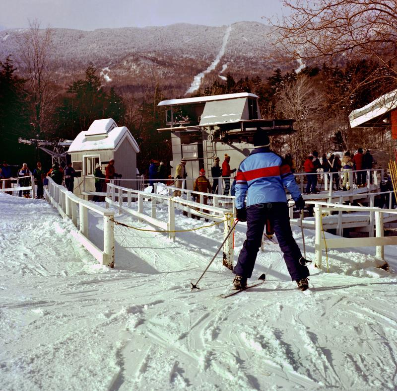 Skidåkare på Sugarbush Ski Resort i Vermont royaltyfria bilder