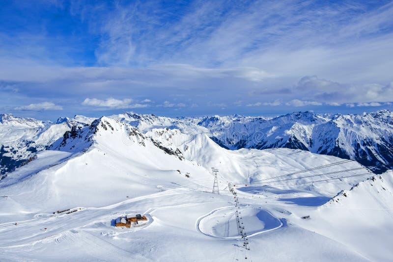 Skida semesterort för Davos berg royaltyfria foton