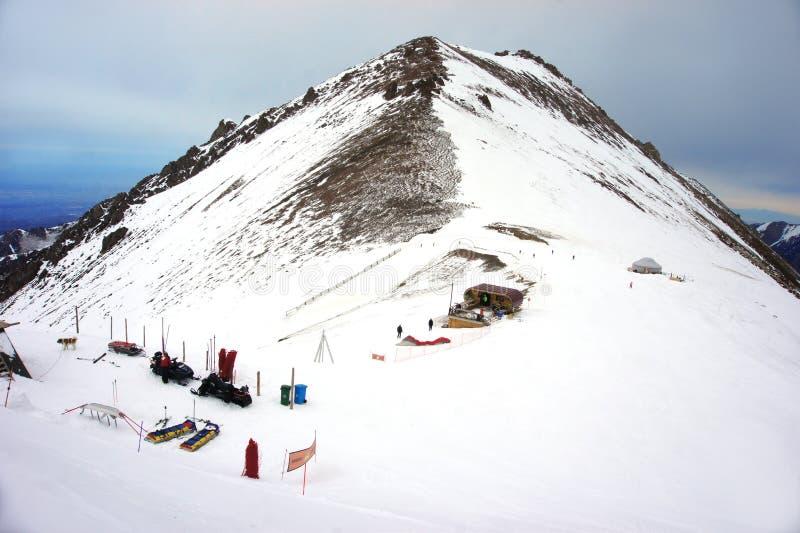 Skida semesterort Shymbulak eller Chimbulak, Almaty, Kasakhstan royaltyfri foto