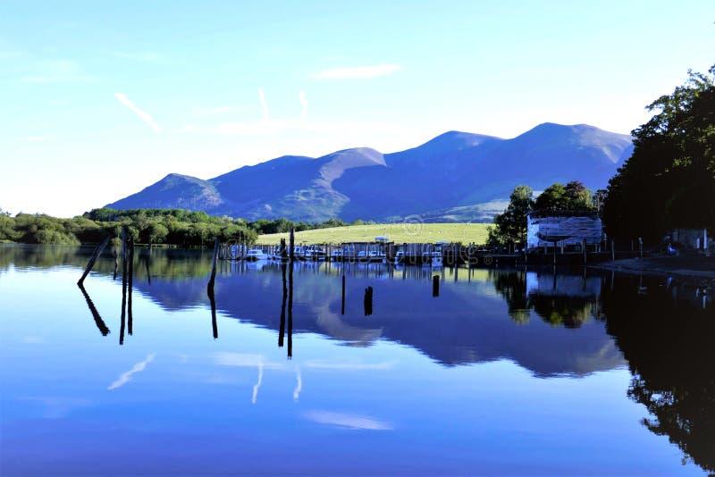 Skiddaw góra od Derwent wody, Keswick, Cumbria fotografia stock