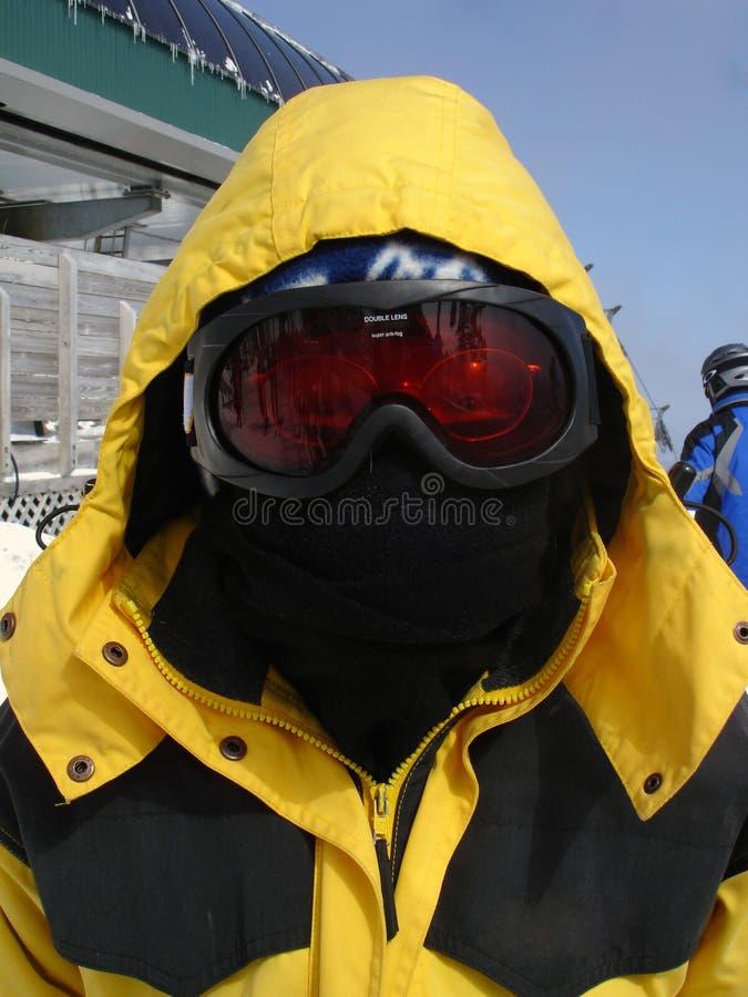 Skier in der Schablone stockfotos
