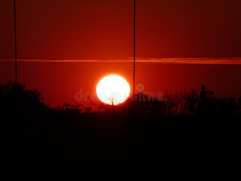 Skierniewice Polen-härlig solnedgång i Skierniewice, Polen royaltyfri foto