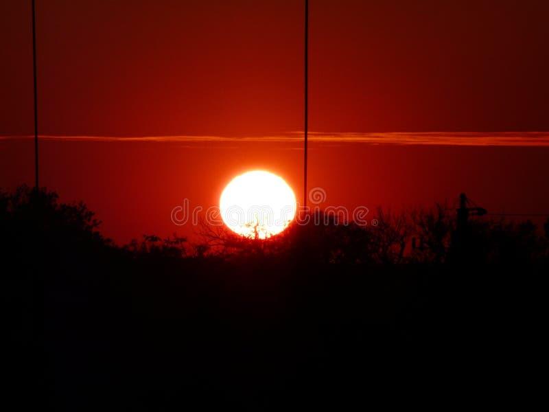 Skierniewice, por do sol Polônia-bonito em Skierniewice, Polônia foto de stock royalty free