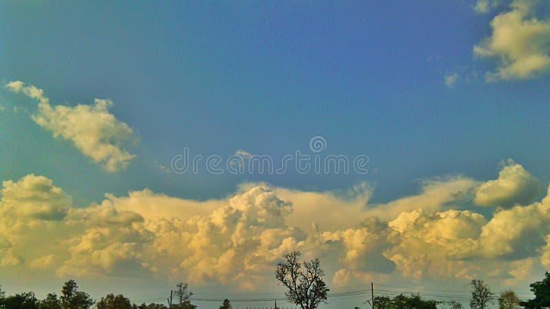 skies royaltyfria foton