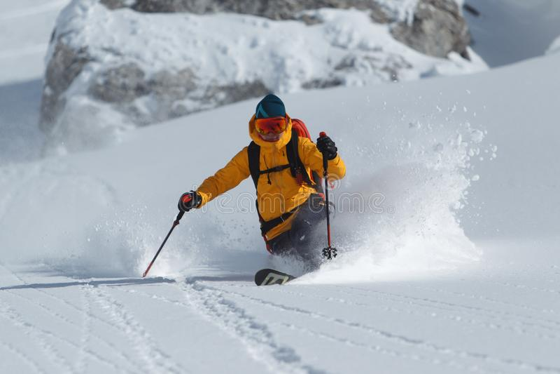 Skieuse de télémark photos stock
