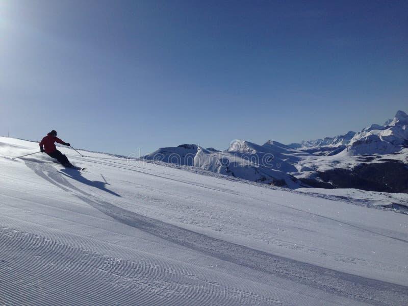 Skifahren-Kerl lizenzfreies stockfoto
