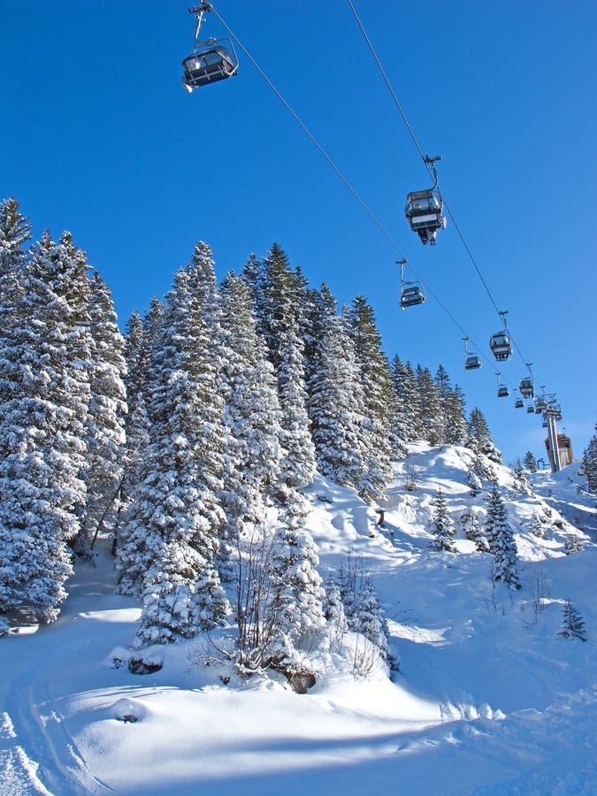 Skifahrensteigung lizenzfreie stockbilder