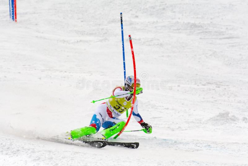 Skifahrer konkurriert herein während das des Super Audi-FIS alpine Ski World Cup Womens kombiniert am 28. Februar 2016 in Soldeu, lizenzfreies stockbild