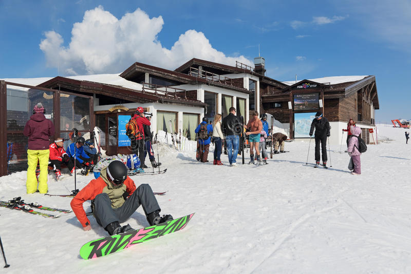 Skifahrererholungsort lizenzfreies stockbild