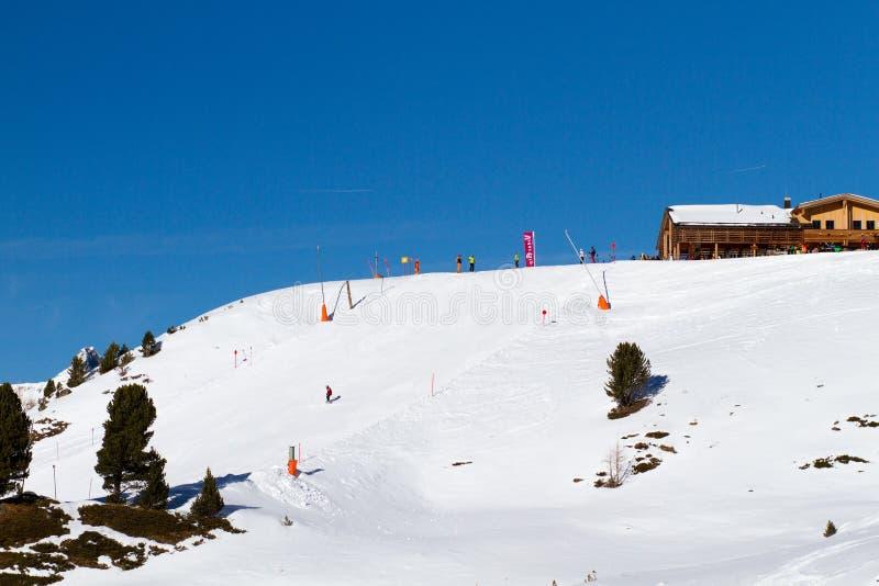 Skihelling in Ischgl stock foto's