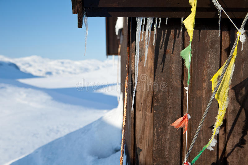 Skiing on the Kungsleden. At wintertime in swedisch Lapland on the Kungsleden hiking trail on a Wind shelter stock photography