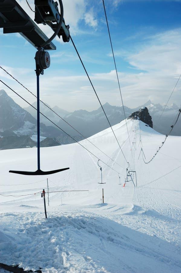 Skilift lizenzfreie stockbilder