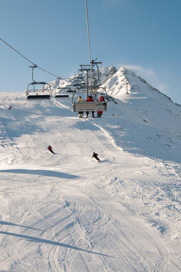 Skilift bij de Toevlucht van de Berg royalty-vrije stock afbeelding