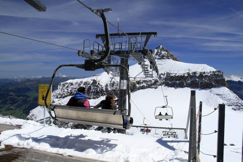 Skilift of skikabels stock foto's