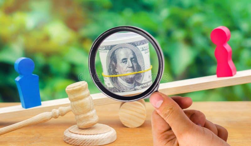 skilsmässa Uppdelning av egenskapen vid lagligt betyder Mannen och kvinnan är arkivfoton