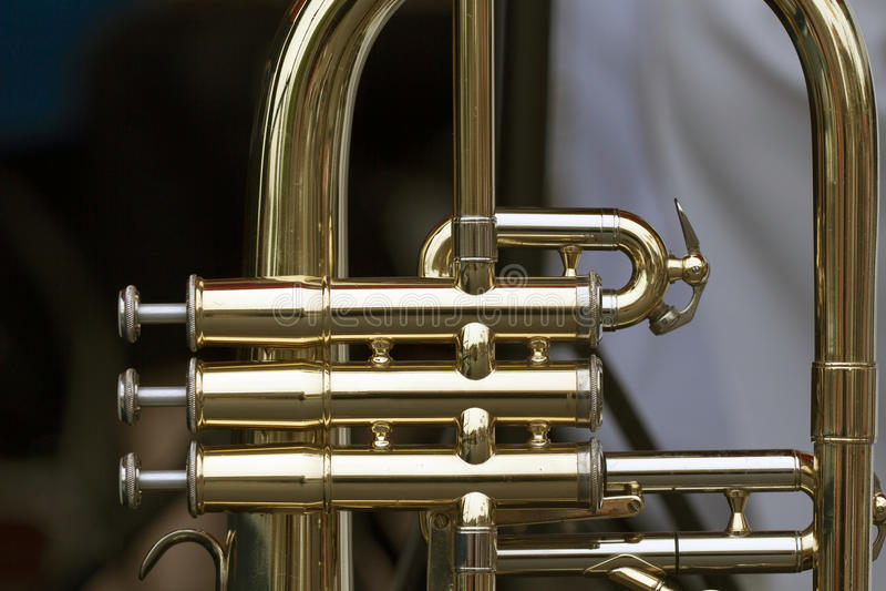 Skinande mässingsblåsinstrument arkivbild